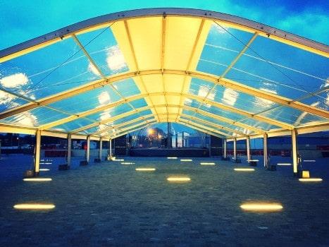 Transparante-zeilen-arcade-tenten-verhuur