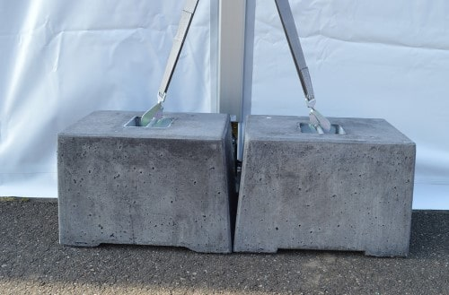 Veiligheid-betonblokken-tenten-verhuur
